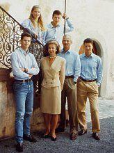 Princely Family: Fürst Hans-Adam II und Fürstin Marie.  Kinder: Erbprinz Alois, prinz Maximilian, prinz Constantin, prinzessin Tatjana.