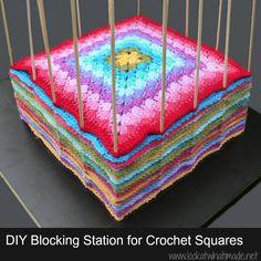 Astucieux pour obtenir des carrés de même taille et pour les stocker avant assemblage ! DIY @raphaellemalaspina