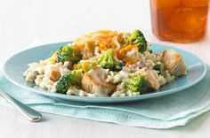 Easy Chicken and Broccoli - Kraft-Let three main ingredients get you to dinner! Broccoli Recipes, Chicken Broccoli, Chicken Recipes, Chicken Meals, Creamy Chicken, Dinner Dishes, Food Dishes, Rice Dishes, Main Dishes