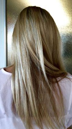 Long blond / bronde hair #blond #bronde #vaaleathiukset #vaaleatraidat #ashblond