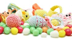 The week before the Easter holidays the one and only Yarnplaza Easter CAL will start! Decorate your Easter tree with the free cute little crochet patterns! Holiday Crochet, Easter Crochet, Easter Tree, Easter Bunny, Cal 2016, Easter Holidays, Crochet Projects, Free Crochet, Free Pattern