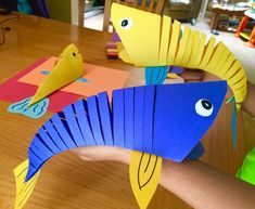 Construction paper crafts for kids how to make moving fish paper craft kids crafts fish toddler . Fish Crafts Preschool, Ocean Crafts, Vbs Crafts, Paper Crafts For Kids, Camping Crafts, Toddler Crafts, Craft Activities, Paper Crafting, Craft Kids