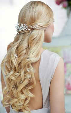 long blonde wavy 2015 bridal updo hairstyle #wedding #weddinghair #hairstyle