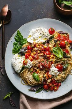 This Double Tomato and Corn Bruschetta Pasta with Burrata exemplifies all of the best flavors and produce summer has to offer! Roasted cherry tomatoes, fresh cherry tomatoes, raw corn, shallots, garlic, olive oil, butter, basil, and a touch of balsamic come together beautifully to make up the summery sauce. Creamy burrata gets torn into the pasta at the end, making it perfectly creamy, just cheesy enough, and still so incredibly fresh. #bruschetta #pasta #summer #vegetarian #dinner #easy Pasta Dishes, Food Dishes, Main Dishes, Healthy Pasta Recipes, Savoury Recipes, Delicious Recipes, Easy Recipes, Vegetarian Recipes, Summer Pasta Salad