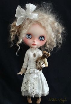Little ghosty | Apple showing off the new Victorian ghosty … | Flickr - Photo Sharing!