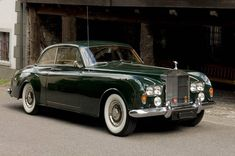 1965 Rolls-Royce Silver Cloud Ill, two door saloon. 📸 @heinrichhecht Repost: @abbott_of_farnham