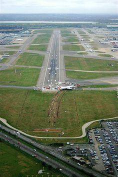 BA 777 Landing Short Heathrow. | The British Airways Boeing … | Flickr