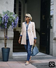 Best Fashion Tips For Women Over 60 - Fashion Trends Fashion Over Fifty, Over 50 Womens Fashion, Fashion Over 50, Look Fashion, Cheap Fashion, Fashion Women, Fashion Online, Mode Outfits, Stylish Outfits