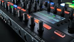 Native-instruments-TRAKTOR-KONTROL-S8