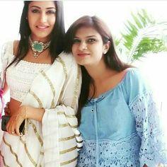 Indian Party Wear, Indian Wear, Tv Dress, Indian Dress Up, Indian Skin Tone, Shrenu Parikh, Ballroom Costumes, Indian Look, Dress Sketches