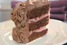 layered chocolate cake with raspberry mousse and milk chocolate frosting Raspberry Mousse, Chocolate Raspberry Cake, Chocolate Frosting, Chocolate Cakes, Sweet Desserts, No Bake Desserts, Cake Recipes, Dessert Recipes, Norwegian Food