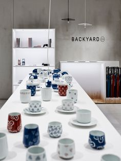 BACKYARD / by | nの商品を取扱う「荷下し場」のようなお店 for by | n