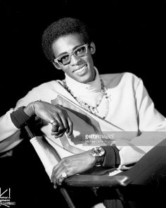 Today In History David Ruffin was born on this date January in Whynot, Mississippi. He was an American soul singer who rose to fame as one of the lead singers of the Temptations. With Ruffin at the helm, the Temptations hit it big with such. Music Icon, Soul Music, Original Temptations, Black Music Artists, Soul Singers, Famous Cartoons, Today In History, Black History Facts, Motown