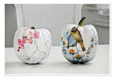 Too Stinkin' Cute: Funky Pumpkins  Kind of cool for something different.