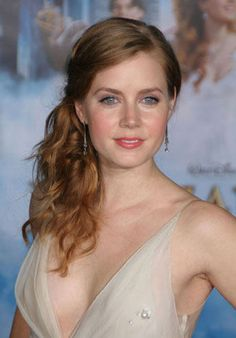 Amy Adams was born in Vicenza, Italy, August She was a film artist. For structuring The Formal Hairstyles different Jennifer Ani. Side Ponytail Hairstyles, Formal Hairstyles, Beautiful Redhead, Most Beautiful Women, Sheryl Underwood, Actress Amy Adams, Redhead Makeup, Hair Makeup, Hollywood
