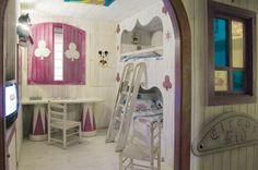 Un hotel especial para niños en Andorra con habitaciones temáticas, el complemento perfecto para después de esquiar #viajes #viajarconniños #esquiarconniños http://charhadas.com/ideas/23062-viajar-a-andorra-con-ninos-hotel-holiday-inn-andorra?category_id=79-viajes-y-hoteles-de-esqui