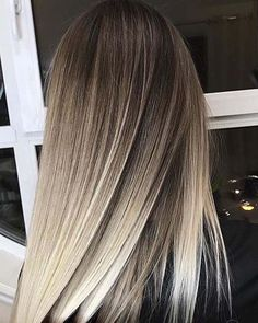 32 Natural-Looking hairstyles : Brunette Balayage Styles #hairstyle #brunette #haircolorBalayage #balayage