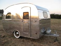 Shiny little 1947 Mainline Old Campers, Little Campers, Retro Campers, Vintage Campers, Tiny Trailers, Small Trailer, Camper Trailers, Retro Trailers, Vintage Rv