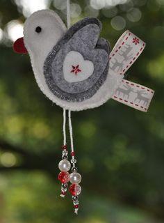 Vogel Grijsje | Kerst | Decoraties | Vilt | Handwerk | zelfmaakpakketjes | Atelier Wilma Creatief