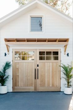 Home Interior Salas .Home Interior Salas Backyard Barn, Backyard Layout, Backyard House, Backyard Studio, Diy Bathroom, Natural Bathroom, Remodel Bathroom, The Design Files, Coastal Homes