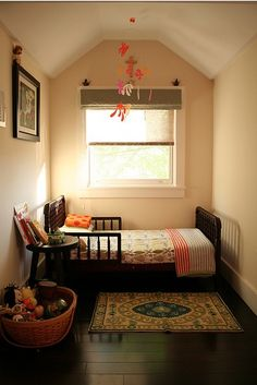 Adorable... love everything about this toddler room