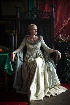 The White Queen - Rebecca Fergusson as Queen Elizabeth