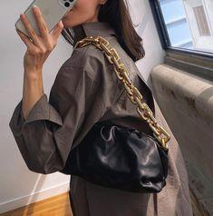 Bottega Veneta Spring-Summer 2020 black leather chain pouch by PSL Trending Handbags, High Class Fashion, Spring Fashion, Autumn Fashion, Leather Chain, Black Leather, Fashion Lookbook, Fashion Accessories, Fashion Outfits