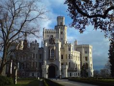Zámok Hluboká Mansions, House Styles, Home Decor, Decoration Home, Manor Houses, Room Decor, Villas, Mansion, Home Interior Design