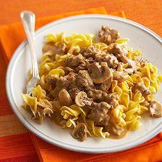 creamy beef and noodles Pasta Recipes, Dinner Recipes, Cooking Recipes, Healthy Recipes, Skillet Recipes, Noodle Recipes, Meal Recipes, Burger Recipes, Quick Recipes