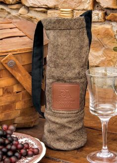 Downton Abbey Hunt Club Wine Bag DHC-WB1 #HeritageLace