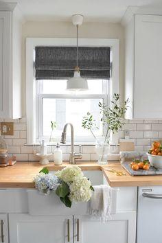 New kitchen window curtains farmhouse roman shades Ideas Kitchen Window Decor, Kitchen Window Coverings, Kitchen Window Curtains, Kitchen Window Treatments, Home Decor Kitchen, Kitchen Furniture, New Kitchen, Home Kitchens, Kitchen Windows