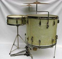 vintage drums. Black Bedroom Furniture Sets. Home Design Ideas