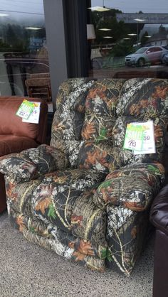 Don't forget Dad this weekend.  Let us help you find the perfect gift! This camo recliner is new to the floor, and only $793!!! Come in to check it out, and don't forget, free duct tape with a purchase for Dad!!