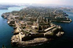 Malta verkauft EU-Pässe an reiche Investoren - und nimmt Hunderte Millionen Euro ein. Eine Liste der Neubürger befeuert die Kritik an dem Handel.