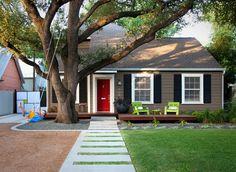 modern entry way sidewalk, landscaped trim
