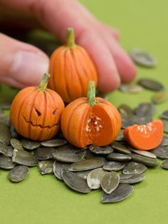 Day 231 - Pumpkin / CitrouilleYes, yeees I know, I am not uploading one sculpture daily these days.To make it up, I filmed the process of sculpting these miniature pumpkinshttps://youtu.be/WkbChF-j4pcFriends again? :)