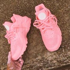 Custom Pink Huaraches For #MemorialDayWeekend Nike and SneakHeat[.]com
