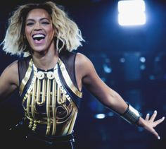 I LOVE this hairstyle Mrs Carter