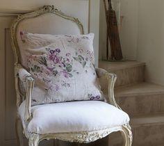 LOVE LOVE LOVE this chair!