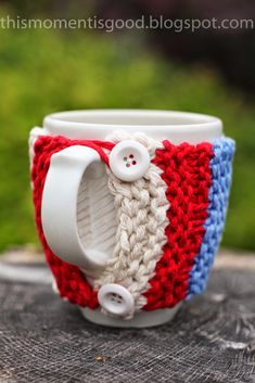Loom Knit MUG COZY, free pattern from This Moment is Good!  Great Teacher or Hostess Gift!