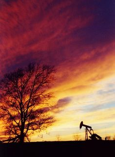 Gorgeous picture taken near town! Nothing like a Texas sunset.