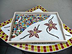 Mosaic Tray, Mirror Mosaic, Mosaic Tables, Mosaic Crafts, Mosaic Projects, Mosaic Bowling Ball, Pattern Design Drawing, Diy And Crafts, Arts And Crafts