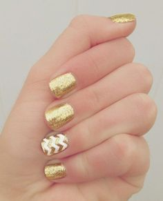 Top amazing White and gold manicure for pretty Elegant White and gold Nail Art Designs trends nails 2018 If you're desperate to dazzle your nails this season, however in an exceedingly elegant method, take a glance at these wonderful white Love Nails, Pretty Nails, Fun Nails, Holiday Nail Designs, Holiday Nails, Christmas Nails, Christmas Design, Christmas Christmas, Nail Polish Designs