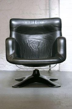 Yrjö Kukkapuro Karuselli Lounge Chair available at The Modern Warehouse
