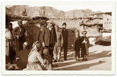 Ben-Zion meets with Jewish families in the village of Sindoor