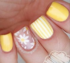 El amarillo está en tendencia esta temporada #Nails #Art #Mani #Yellow #Manicure