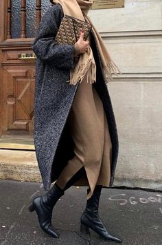 minimalistische Outfit-Ideen für den Herbst – minimalist outfit ideas for fall – from # the # F is the too the # outfitıde Look Fashion, Trendy Fashion, Winter Fashion, Fashion Black, Classy Fashion, Korean Fashion, Classic Fall Fashion, Fashion Vintage, Mode Outfits