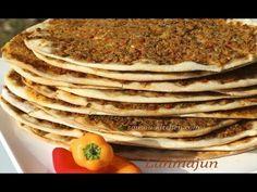 Délicieusement fondante et savoureuse, elle est à base d'une pâte fine, farcie. Turkish Pizza Recipes, Armenian Recipes, Mini Pizzas, Pizza Arabe, Plats Ramadan, Kurdish Food, Turkish Kitchen, Crepes, Everyday Dishes
