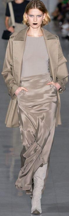 Max Mara Spring-summer 2020 – Ready-to-Wear Fashion 2020, Runway Fashion, Spring Fashion, High Fashion, Fashion Show, Autumn Fashion, Fashion Outfits, Fashion Design, Fashion Trends