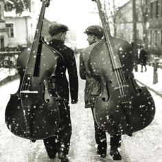 The World of the Bass Guitar Jazz Artists, Double Bass, Cycling Art, Music Stuff, Belle Photo, Guitar Lessons, Vintage Photos, Music Instruments, Black And White